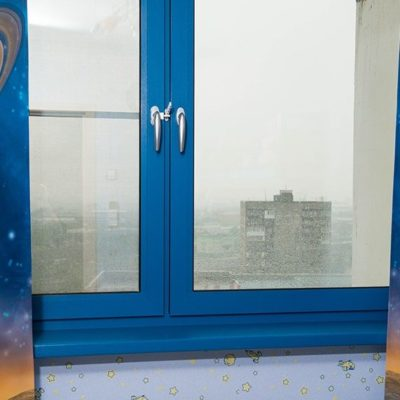 Синие окна