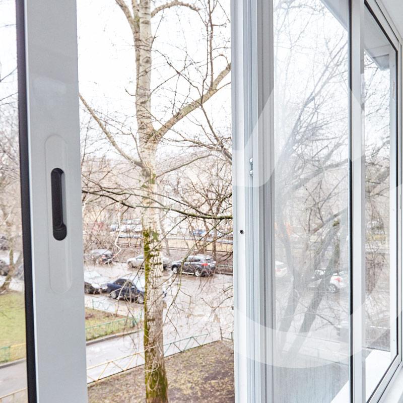 Раздвижное холодное остекление балкона Provedal