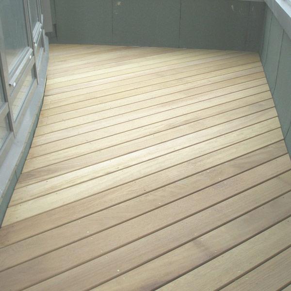 Укладка пола на балконе доской, плиткой, ламинатом
